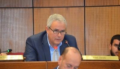 Senador insiste que escrutinio debe der público, pese a uso de urnas electrónicas