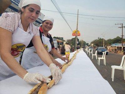 En Altos cocinaron el choripán más largo