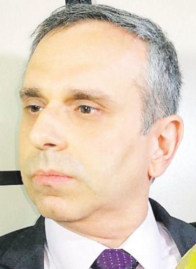 Piden a monseñor Martínez que saque a  Kriskovich de UC