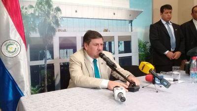 """Llano no descartó unificación de bancada liberal en Senado y dijo que Alegre llevó al PLRA a """"bancarrota económica"""""""