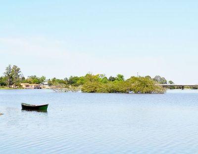 Actividad portuaria en riesgo ante baja del nivel del río Paraguay