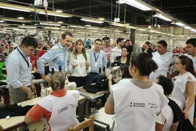 Fábrica contrató confeccionistas mediante feria realizada por el Ministerio de Trabajo