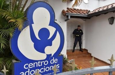 Adoptar un niño en Paraguay puede demorar tres años