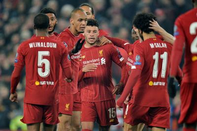 Liverpool festeja ante el Genk y lidera su grupo