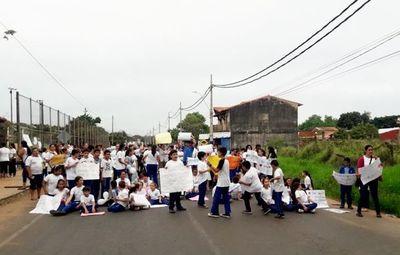 MEC dejará sin profesores una escuela de Luque