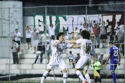 Libertad goleó y es finalista de la Copa Paraguay