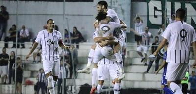 Libertad primer finalista de la Copa Paraguay