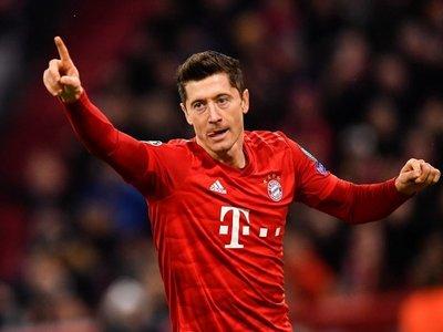 Lewandowski y Perisic llevan al Bayern a octavos