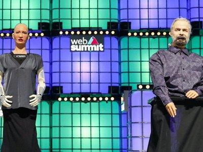 """Sophia y Phil, las """"estrellas"""" de la Web Summit"""