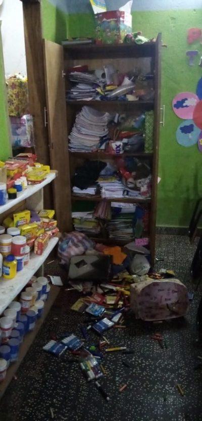 San Lorenzo: Robaron dinero y destrozaron varias aulas