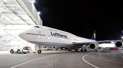 Cancela Lufthansa mil 300 vuelos por huelga