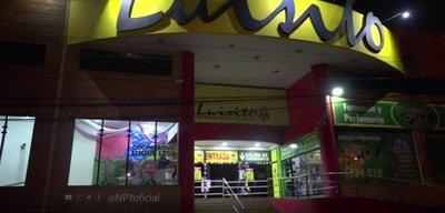 Electricista muere de una descarga mientras trabajaba en un supermercado