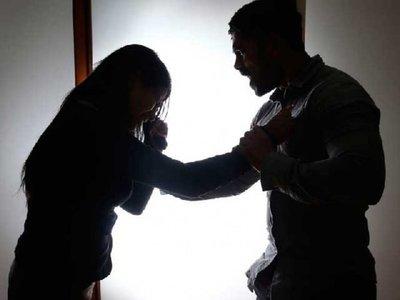 Reclamó que dejó sola a su hija y ella lo denunció por violencia