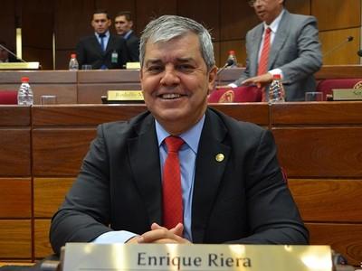 Riera pidió a Contraloría dar a conocer su declaración jurada: 'Ojalá otros lo hagan', expresó el senador