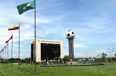 Demandan a Conmebol por más de 40 millones de dólares