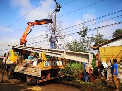 ANDE trabaja para reponer servicio en zonas afectadas por temporal