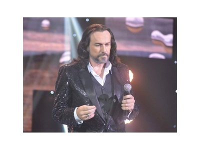"El Buki paraguayo ya canta ""Navidad sin ti"""