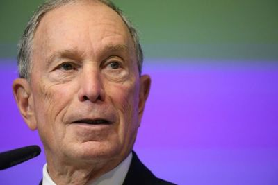 """Trump dice que Bloomberg """"fracasará"""" si se lanza a la carrera presidencial"""