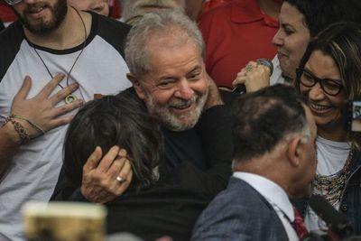 """Lula libre: Promete seguir """"luchando por el pueblo"""""""