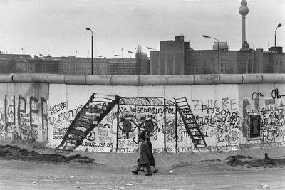 Alemania recuerda los 30 años de la caída del Muro de Berlín en un ambiente de discordia