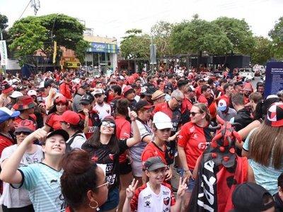 ¡Euforia sabalera! Más de 37.000 hinchas de Colón ingresaron a Paraguay