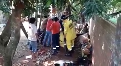 Bomberos rescatan a un niño que cayó a un pozo en Ciudad del Este