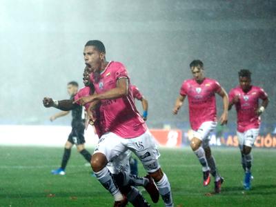 Los goles de la victoria de Independiente del Valle 3-1 sobre Colón