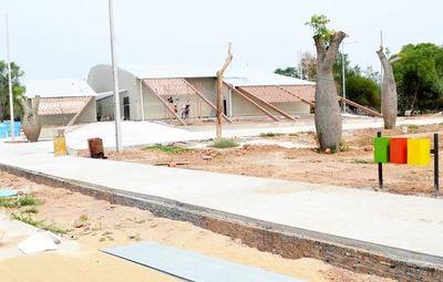 Construcción de un centro turístico culmina este  mes