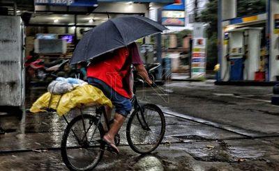 Anuncian domingo con lluvias pero caluroso