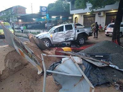 Conductor atropelló zona de obras en Artigas