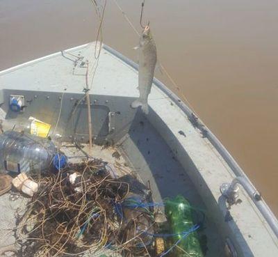 Mades incauta unos 1500 metros de espineles en río Paraguay durante veda