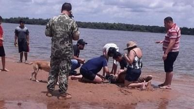 Ayolas; rescataron a un joven del río y lo reanimaron