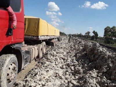 Lluvia alivia al Chaco tras larga sequía, pero destruye caminos