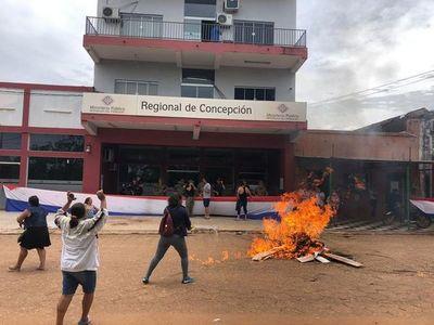 Realizaron manifestaciones a favor del comunicador Chilavert