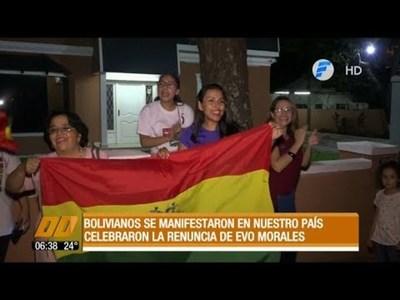 Bolivianos residentes en nuestro país celebran la renuncia de Evo
