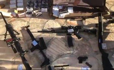 Incautan armas de grueso calibre en una vivienda en Caacupé