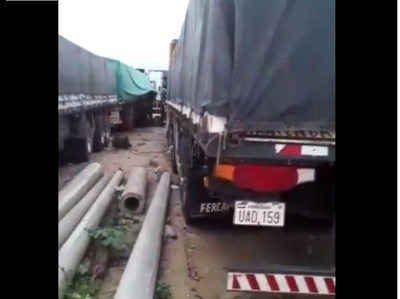 Transportistas paraguayos están varados en Bolivia. Viáticos se agotan y están a punto de desabastecerse