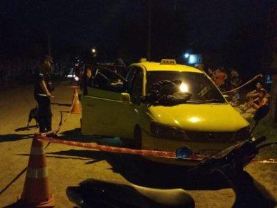 Disparan contra taxi en el que iban dos mujeres y dos niños