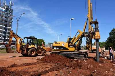 Intenso movimiento de maquinarias en el km 7 marca inicio de la construcción de Multiviaducto