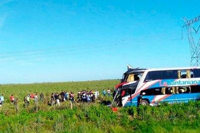 Restos de paraguayos fallecidos en Argentina llegarán esta tarde