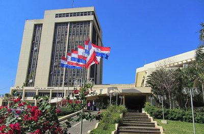 Concejales piden a Contraloría revisar contrato sobre tercerización de cobro de tributo