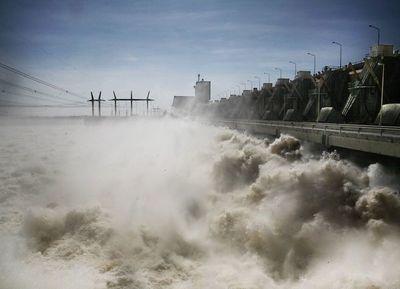 Parlasur pedirá que energía paraguaya de EBY sea vendida solo por Ande