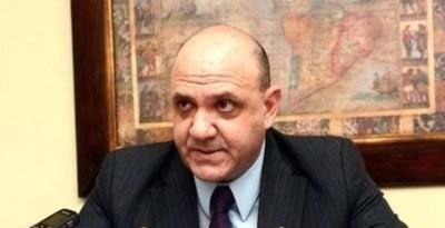Nombran como asesor a José González Macchi