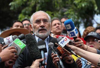 Mesa pide al oficialismo que facilite sucesión a Evo Morales