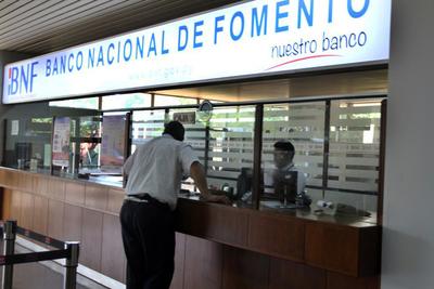Funcionarios de la Contraloría podrán acceder a créditos de compra de deuda del BNF