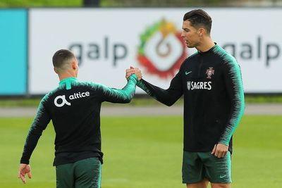 Cristiano aleja rumores al entrenarse con Portugal