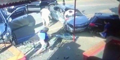 Agentes de la caminera ocasionan brutal accidente