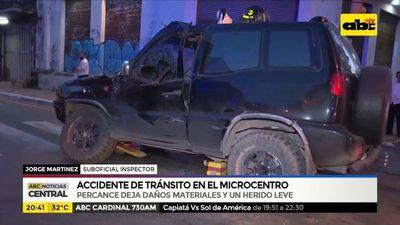 Accidente de tránsito deja daños materiales y un herido leve