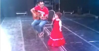 Niña cautiva ashá con  la música paraguaya