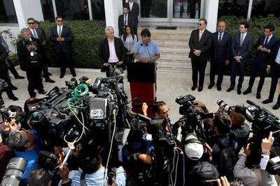 """Evo Morales: """"Mientras tenga vida, sigue la lucha"""". Oposición nombró presidenta interina, aún sin reunir quórum"""